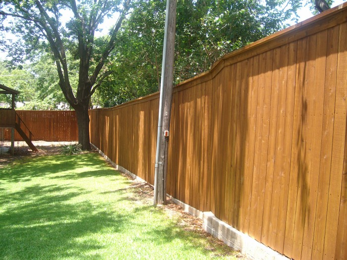 cedar-fence-after-dallas